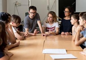 """No més alumnes """"perduts"""": la importància de l'orientació i l'acompanyament en l'àmbit educatiu"""