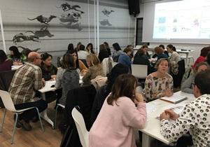 Intercanvi d'experiències de redisseny de la #ReunióFamílies